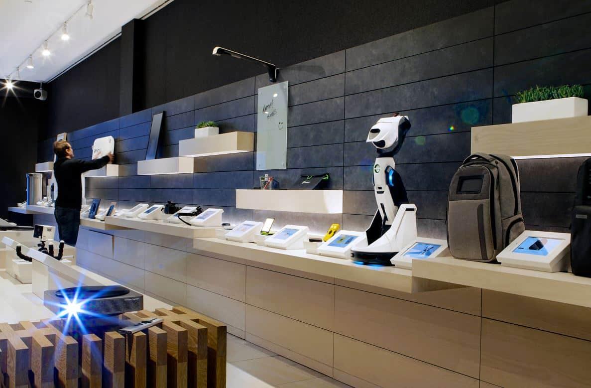 Retail-as-a-Service: b8ta-Store