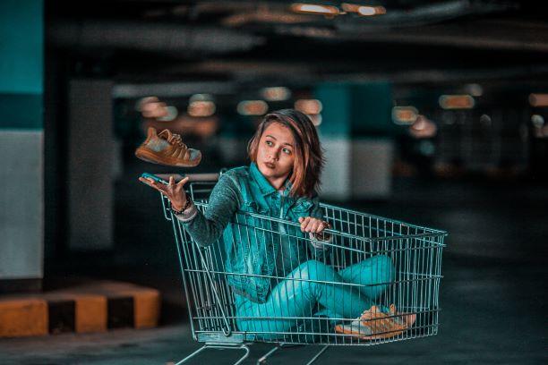 Kassierer- und Verkäuferlose Geschäfte im DACH-Raum und den Niederlanden