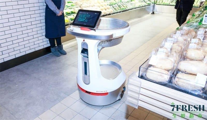 Roboter-Einkaufswagen folgen Kund*innen